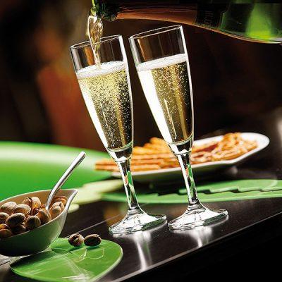 Repas de Fêtes Pour tous vos évènements, le Chef Hervé Panzer vous propose des repas de fêtes selon vos désirs